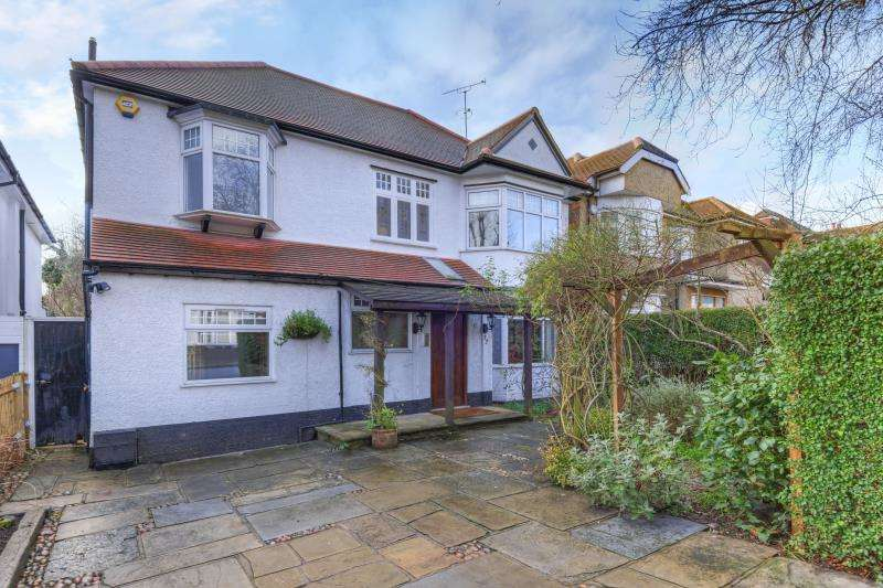 4 Bedrooms Detached House for sale in Beechwood Avenue, Finchley