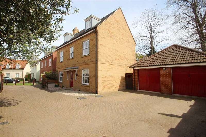5 Bedrooms Detached House for sale in Whitebeam Close, Mile End, Colchester