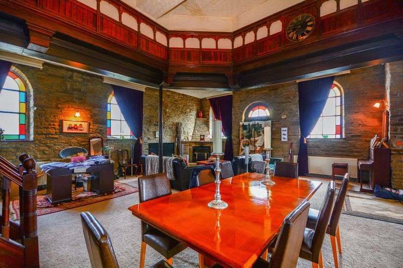 6 Bedrooms House for sale in Halifax Road, Bradford