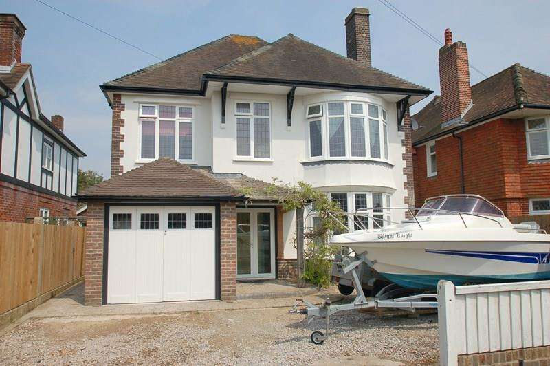 4 Bedrooms Detached House for sale in St Mary's Avenue, Alverstoke, Gosport