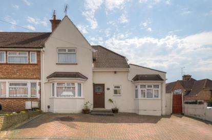 4 Bedrooms Semi Detached House for sale in The Chase, Watford, Hertfordshire