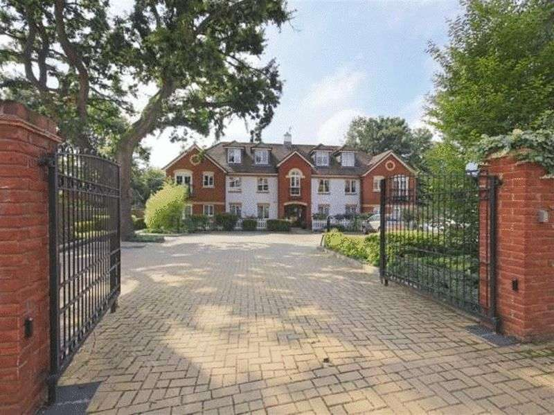 house for sale to rent in palmers green london. Black Bedroom Furniture Sets. Home Design Ideas