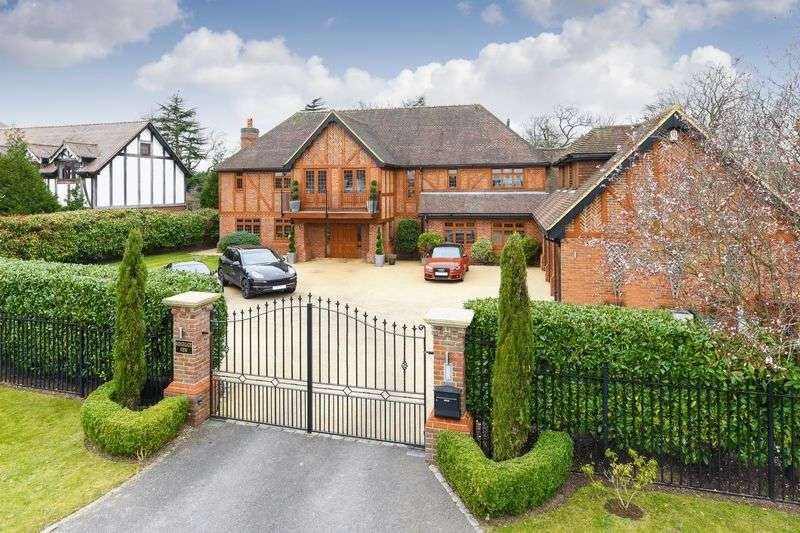 7 Bedrooms Detached House for sale in Epsom