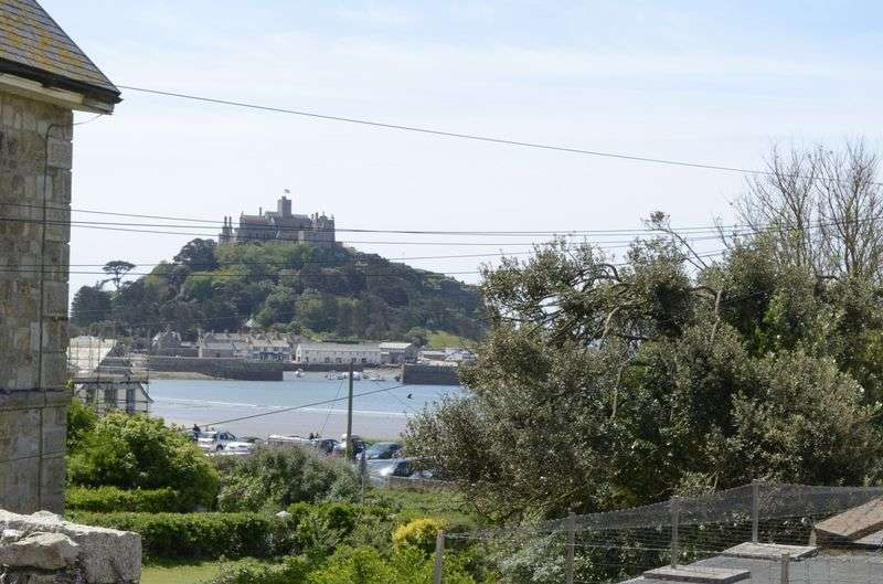 1 Bedroom Flat for sale in St Pirans Court, West End, Marazion