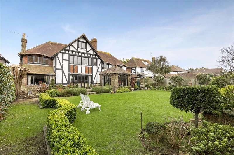4 Bedrooms Detached House for sale in The Thatchway, Rustington, Littlehampton, West Sussex, BN16