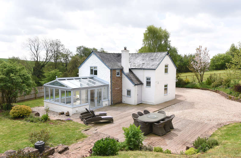 3 Bedrooms Detached House for sale in Lower Woodend, Woodend Lane, Stoke Lacy, Herefordshire, Bromyard, HR7