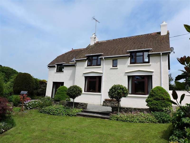 3 Bedrooms Property for sale in Llanychaer, Fishguard