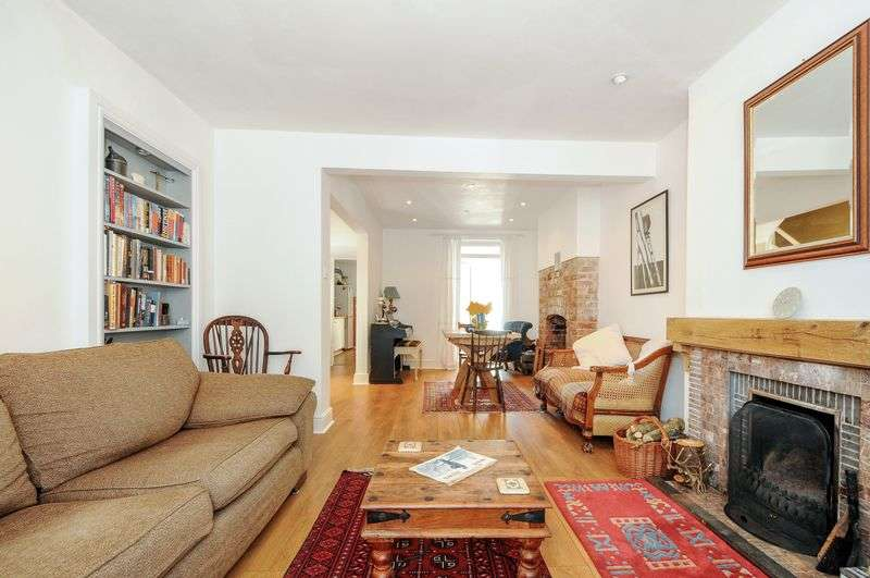 3 Bedrooms Terraced House for sale in Summerland Road TA24 5BP