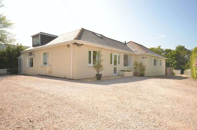 5 Bedrooms Bungalow for sale in BRIXHAM ROAD, PAIGNTON.