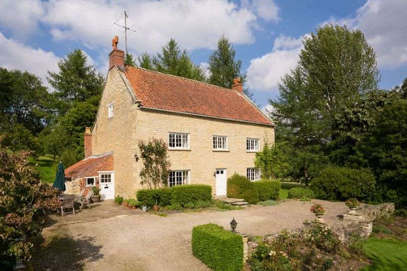 4 Bedrooms Detached House for sale in Scawton Croft, Rievaulx, Helmsley