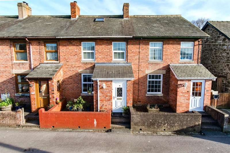 3 Bedrooms Terraced House for sale in 30 Oaklands