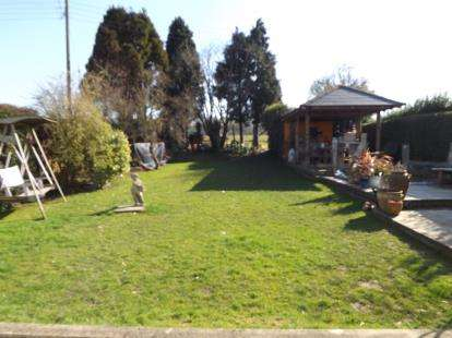 4 Bedrooms Bungalow for sale in Woodend Lane, Cam, Dursley, Gloucestershire