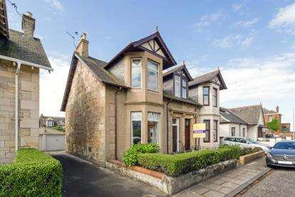 4 Bedrooms Semi Detached House for sale in Park Avenue, Prestwick