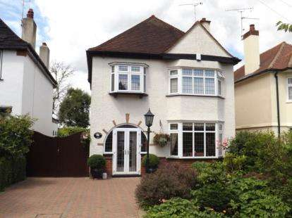 3 Bedrooms Detached House for sale in Shenfield, Brentwood, Essex