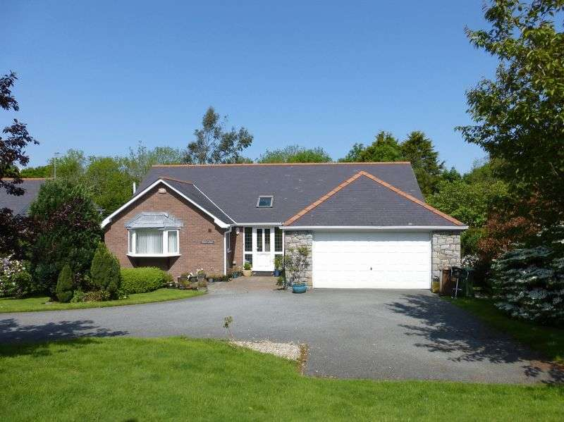 5 Bedrooms Detached House for sale in Bangor