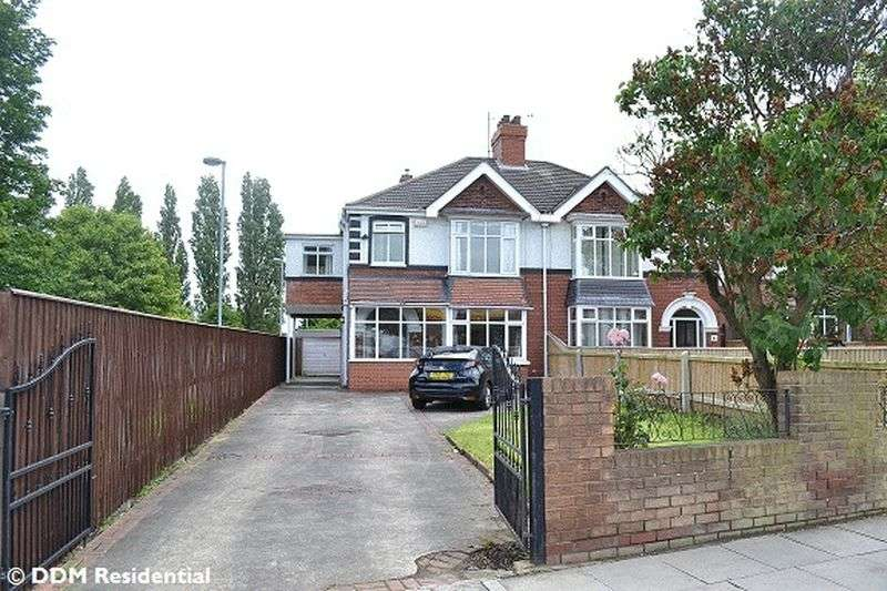 4 Bedrooms Semi Detached House for sale in Scartho Road, Grimsby