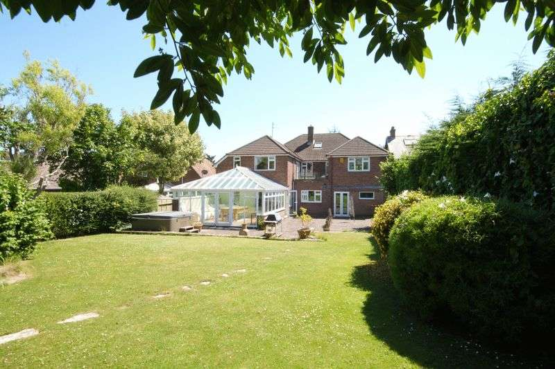 5 Bedrooms Detached House for sale in Preston Road, Preston, DT3