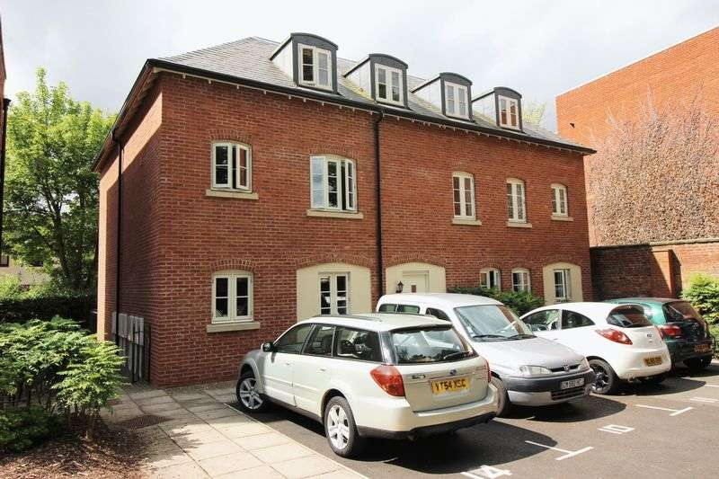 2 Bedrooms Flat for sale in Abbey Foregate, Shrewsbury