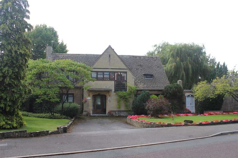 4 Bedrooms Property for sale in Field Rise, Old Town