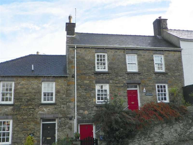 3 Bedrooms Property for sale in Hill Terrace, Fishguard