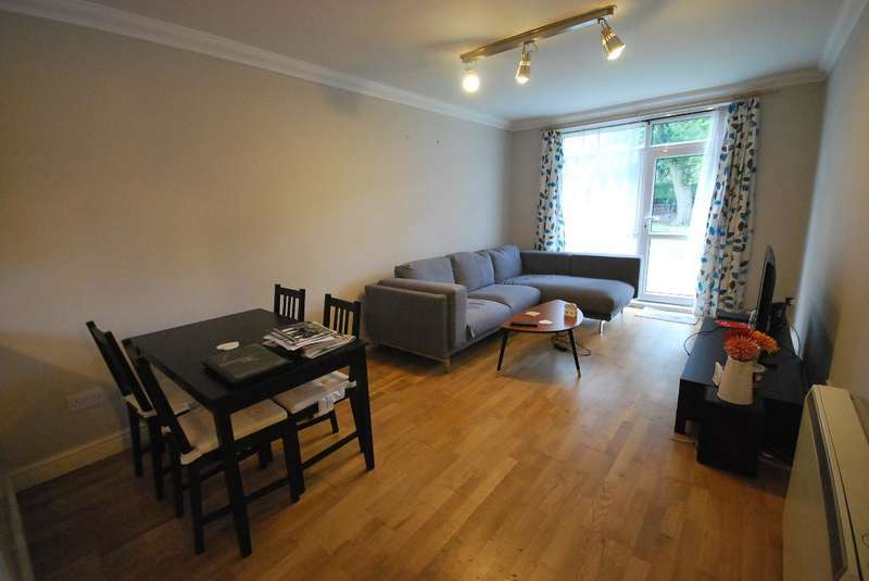 2 Bedrooms Flat for sale in Heaton Road, Fallowfield, Manchester, M20 4AE