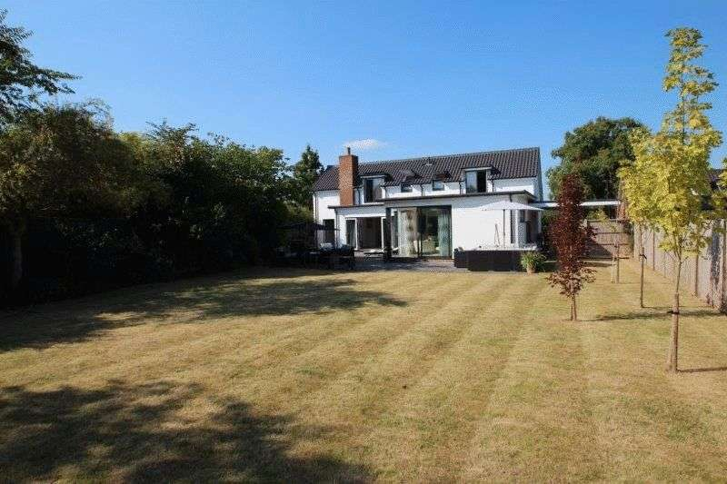 4 Bedrooms Detached House for sale in Swardeston Lane, East Carleton, Norwich