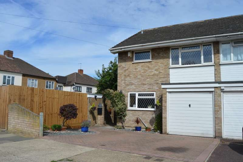 4 Bedrooms Semi Detached House for sale in Coombe Road, Harold Wood