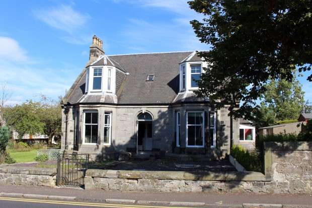 4 Bedrooms Detached House for sale in Station Road, Cardenden, Lochgelly, KY5