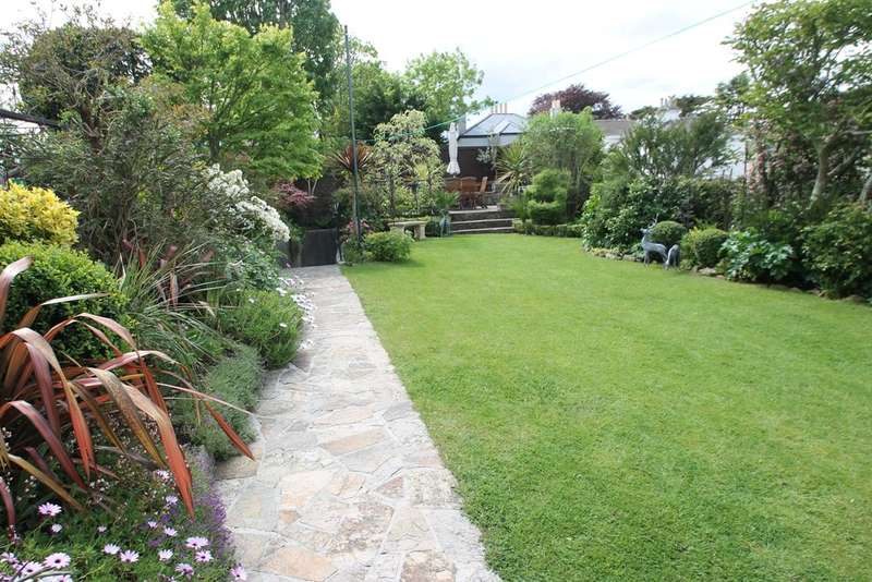 5 Bedrooms Semi Detached House for sale in Mannamead