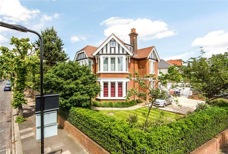 5 Bedrooms Detached House for sale in St. Stephens Road, Ealing, W13