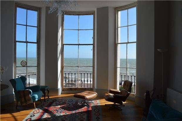 2 Bedrooms Flat for sale in Flat , Adelaide House,Grand Parade, St Leonards On Sea, TN37 6DN