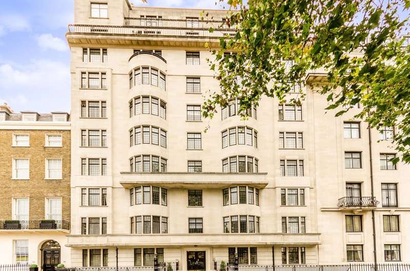 2 Bedrooms Flat for sale in Portland Place, Marylebone, W1B