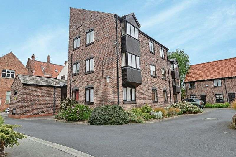 2 Bedrooms Flat for sale in Grammer School Yard, Hull