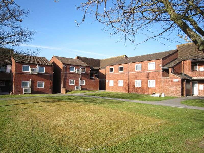 2 Bedrooms Flat for sale in Pensford Court, Craydon Road, Stockwood, Bristol