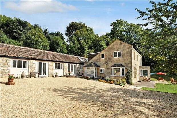 4 Bedrooms Detached House for sale in Charlcombe, BATH