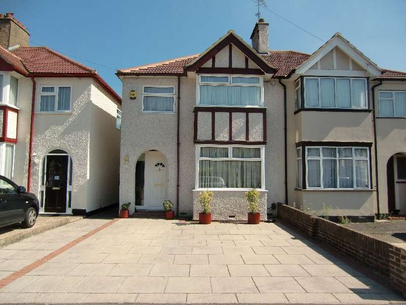 3 Bedrooms Semi Detached House for sale in Fourth Avenue, Garston Watford, Herts, WD25