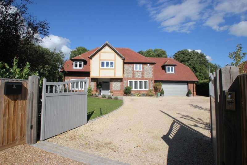 5 Bedrooms Detached House for sale in Chiltern Road, Peppard Common