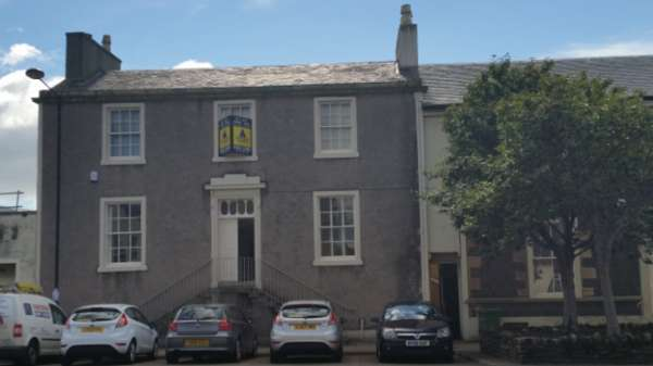 4 Bedrooms Terraced House for sale in 45 Townhead, Irvine