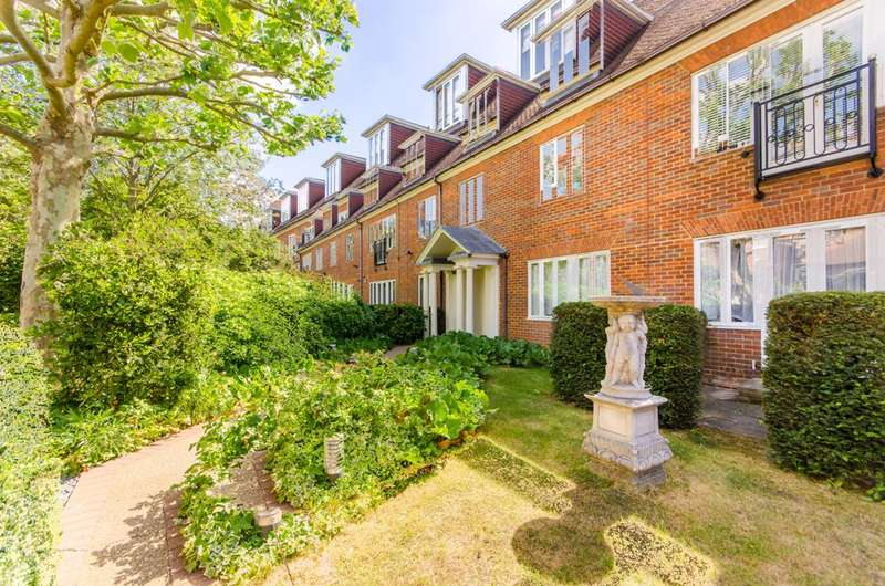 Flat in  Nursery Road Wimbledon  London  SW19  Wimbledon