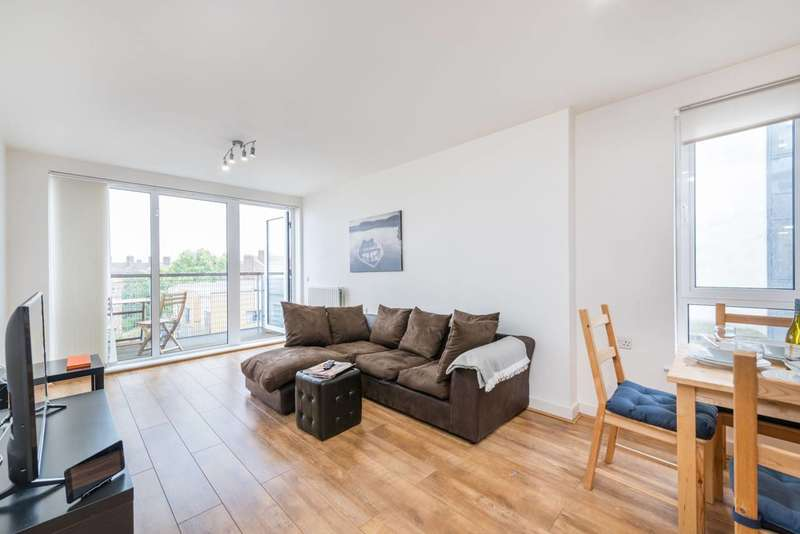 Flat in  Tarves Way  Greenwich  SE10  Greenwich