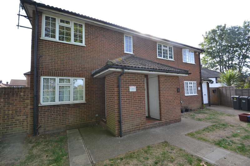 Flat in  Staines Road  Feltham  TW14  Richmond