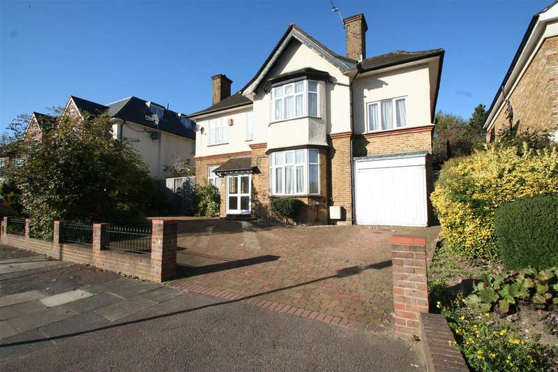 Detached house in  Finchley Lane  Hendon  NW4  Richmond