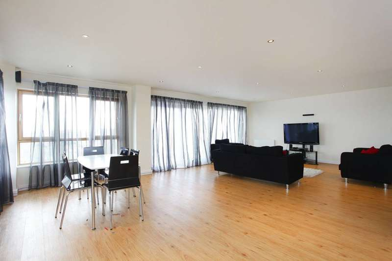 Flat in  Heritage Avenue  London  NW9  Richmond