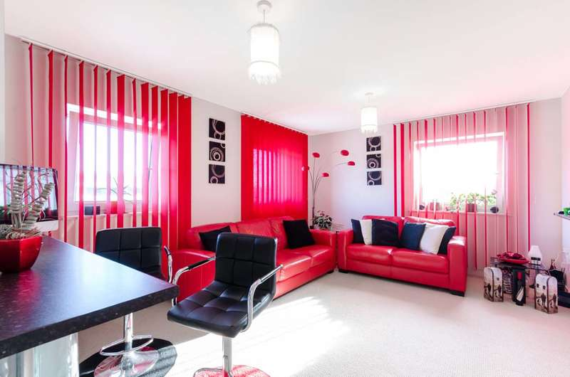 Flat in  Pool Close  West Molesey  KT8  Richmond