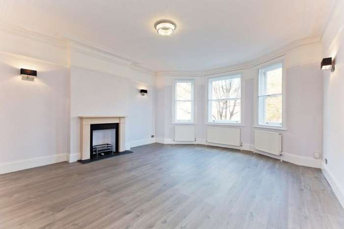 Flat in  Finchley Road  Hampstead  London  NW3  Richmond