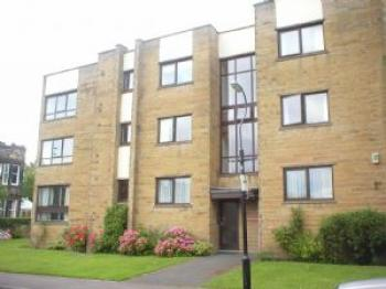 2 Bedrooms Flat for sale in 2 bedroomed ground floor Apartment