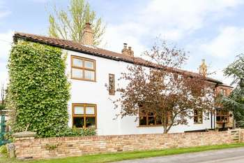 5 Bedrooms Detached House for sale in Front Street, Ulceby DN39
