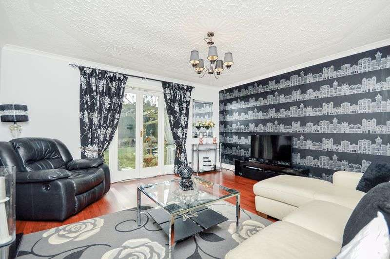 4 Bedrooms Detached House for sale in 62 Hall Street, Lochgelly, Fife, KY5 9JH