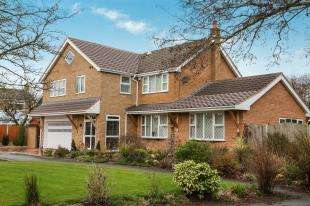 4 Bedrooms Detached House for sale in Bollin Close, Alsager, Stoke-On-Trent, Cheshire