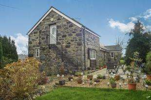 3 Bedrooms Barn Conversion Character Property for sale in The Old Barn, Tyn Y Groes, Conwy, Tyn Y Groes, LL32
